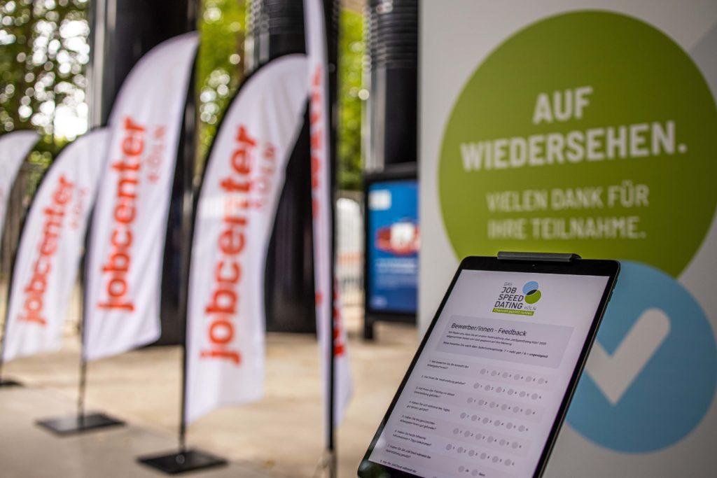 JSD 2020: am Ausgang kann die Veranstaltung am iPad bewertet werden